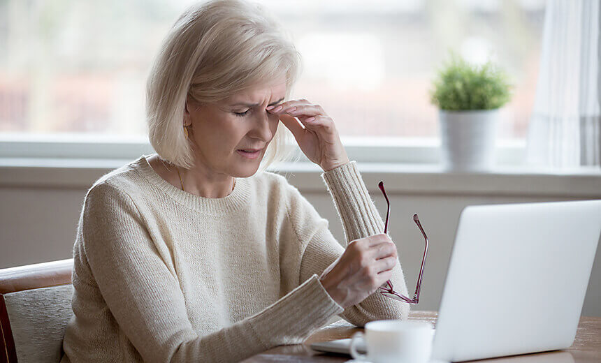 How to reduce the risk of dry eyes?